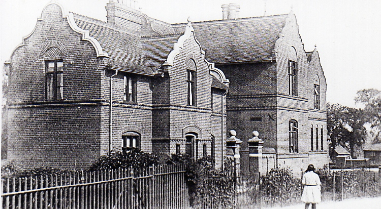 Sir Robert Hitcham's School, 1924