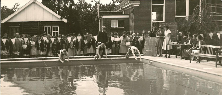 Mills Grammar School Swimming Pool, 1977