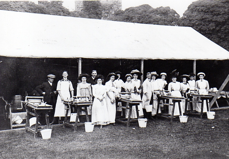 Butter Making Competition, Castle Meadow