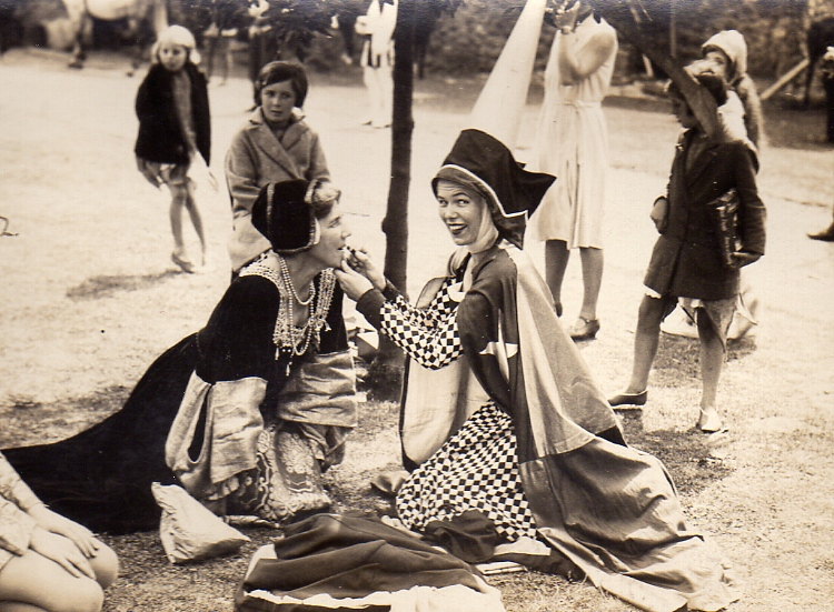 The Pageant, 1931
