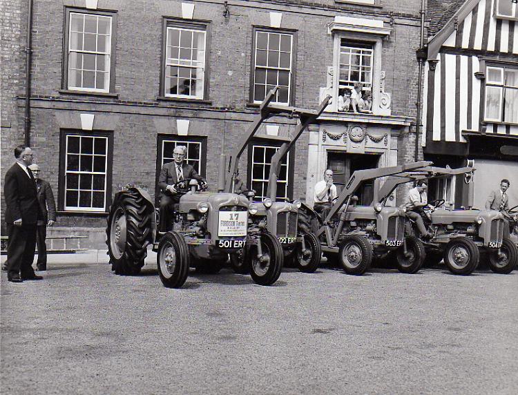 Fordson Tractors, Market Hill, 1962e s.