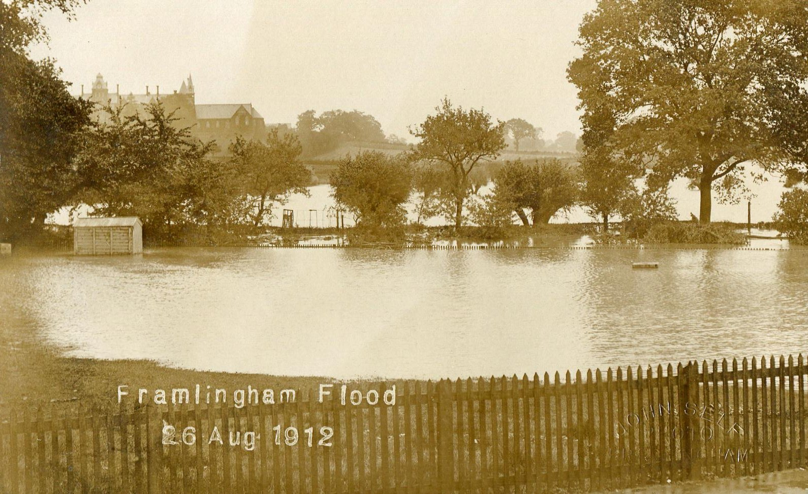 Sale Yard flood, 1912