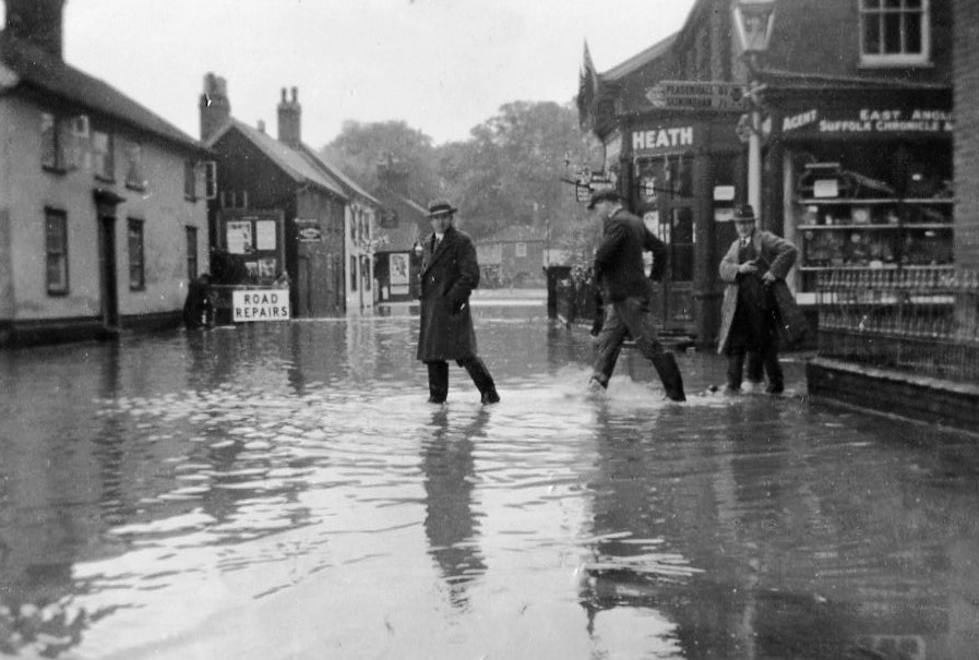 Albert Place floods, c.1937