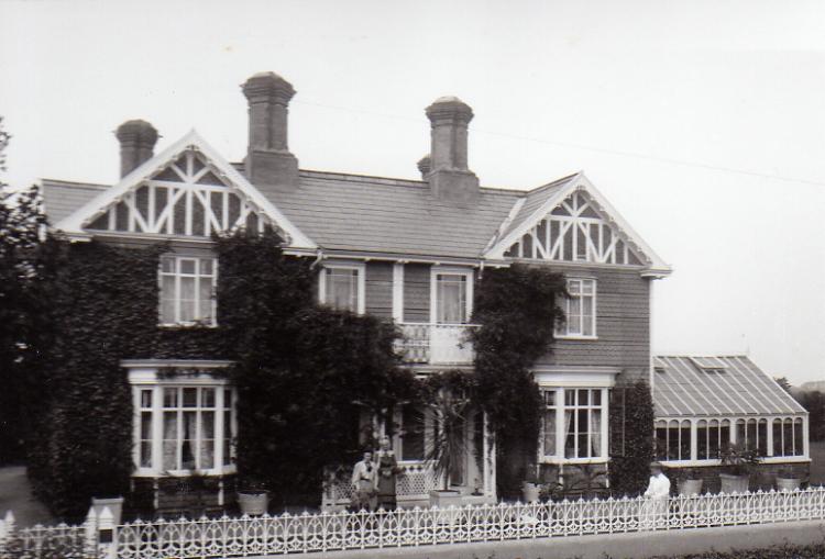 Pembroke Lodge, Pembroke Road