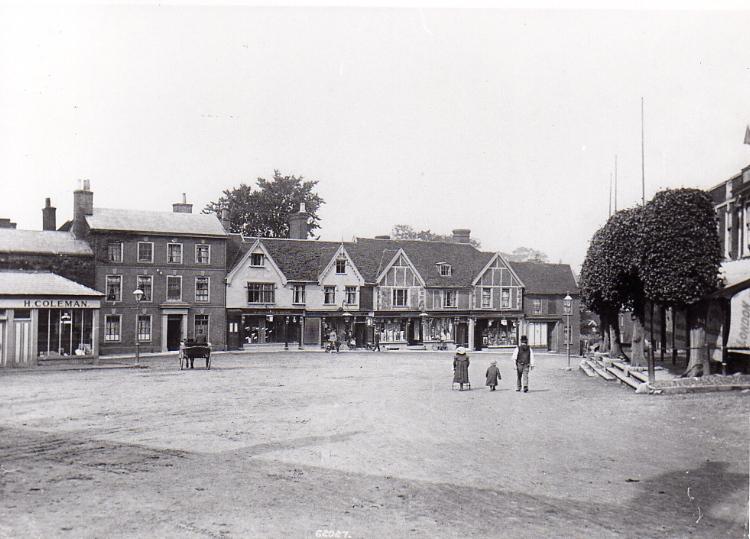 Market Hill c.1908