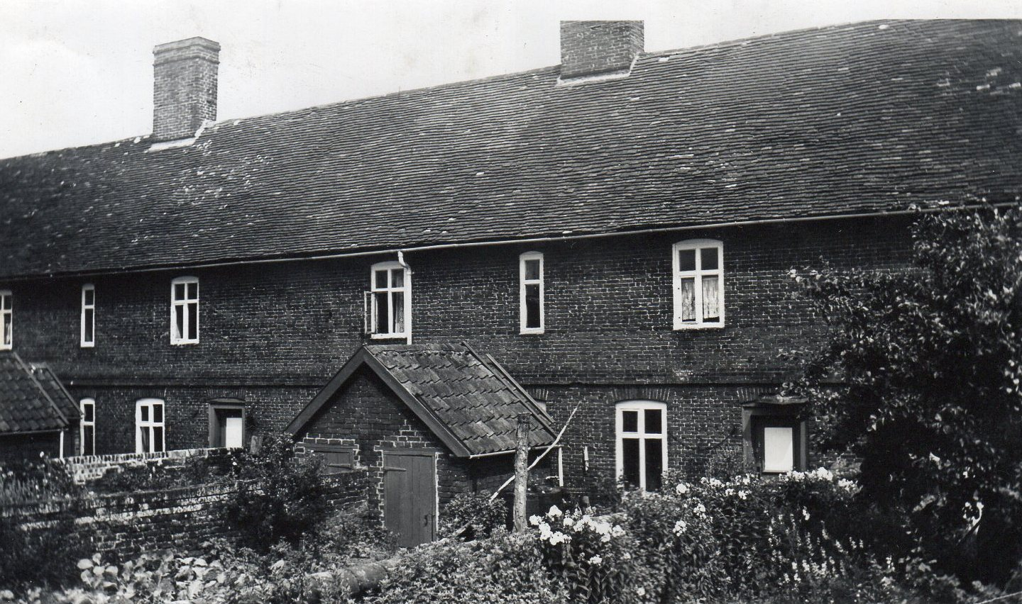 Thomas Mills almshouse