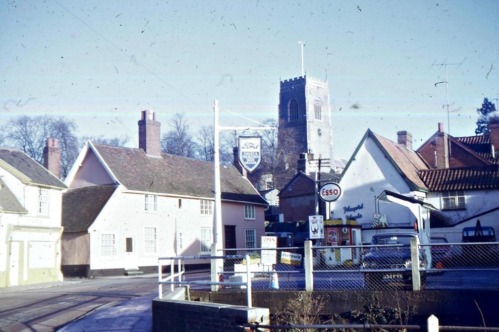 Potter's forecourt, Bridge Street