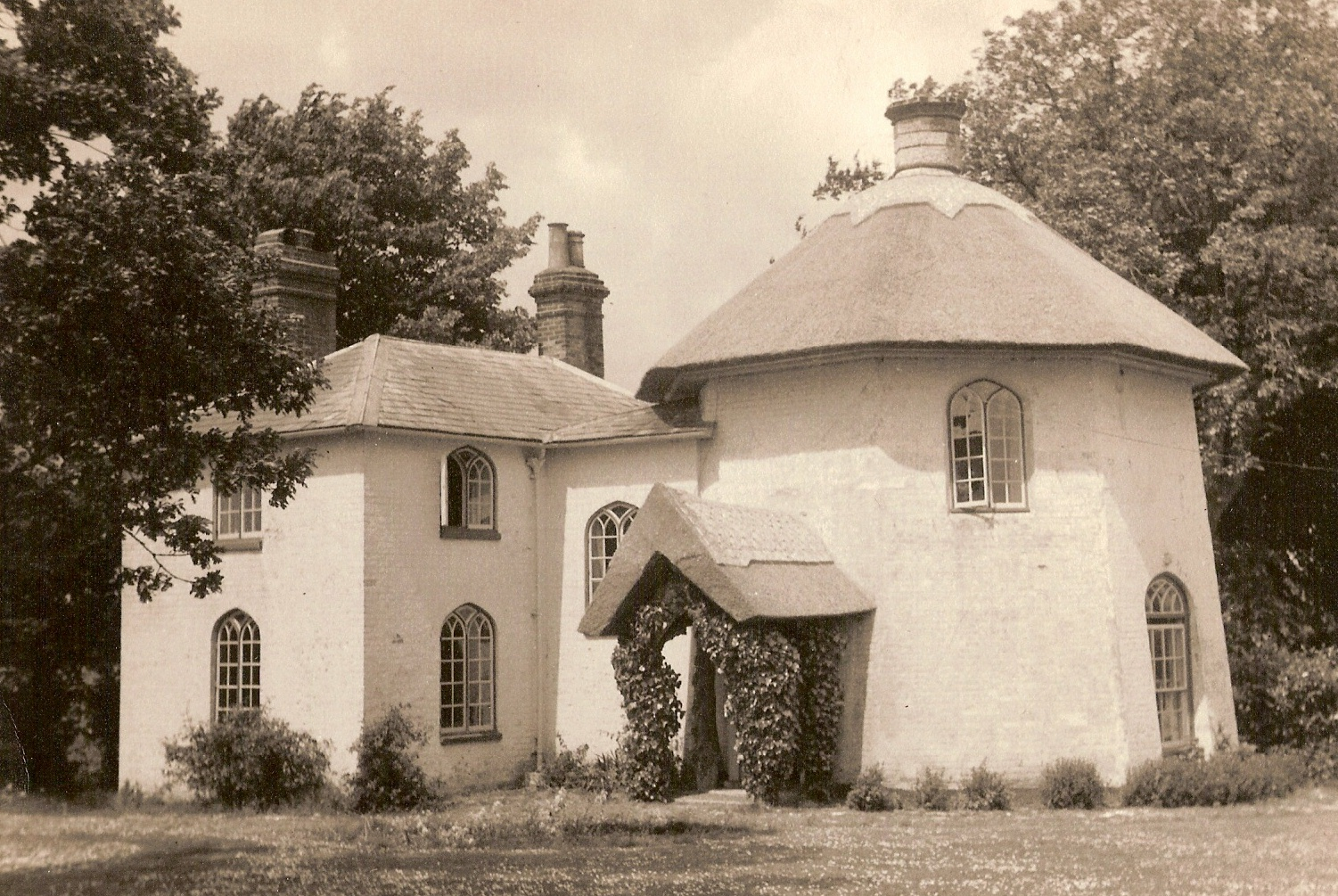 Round House, Station Road