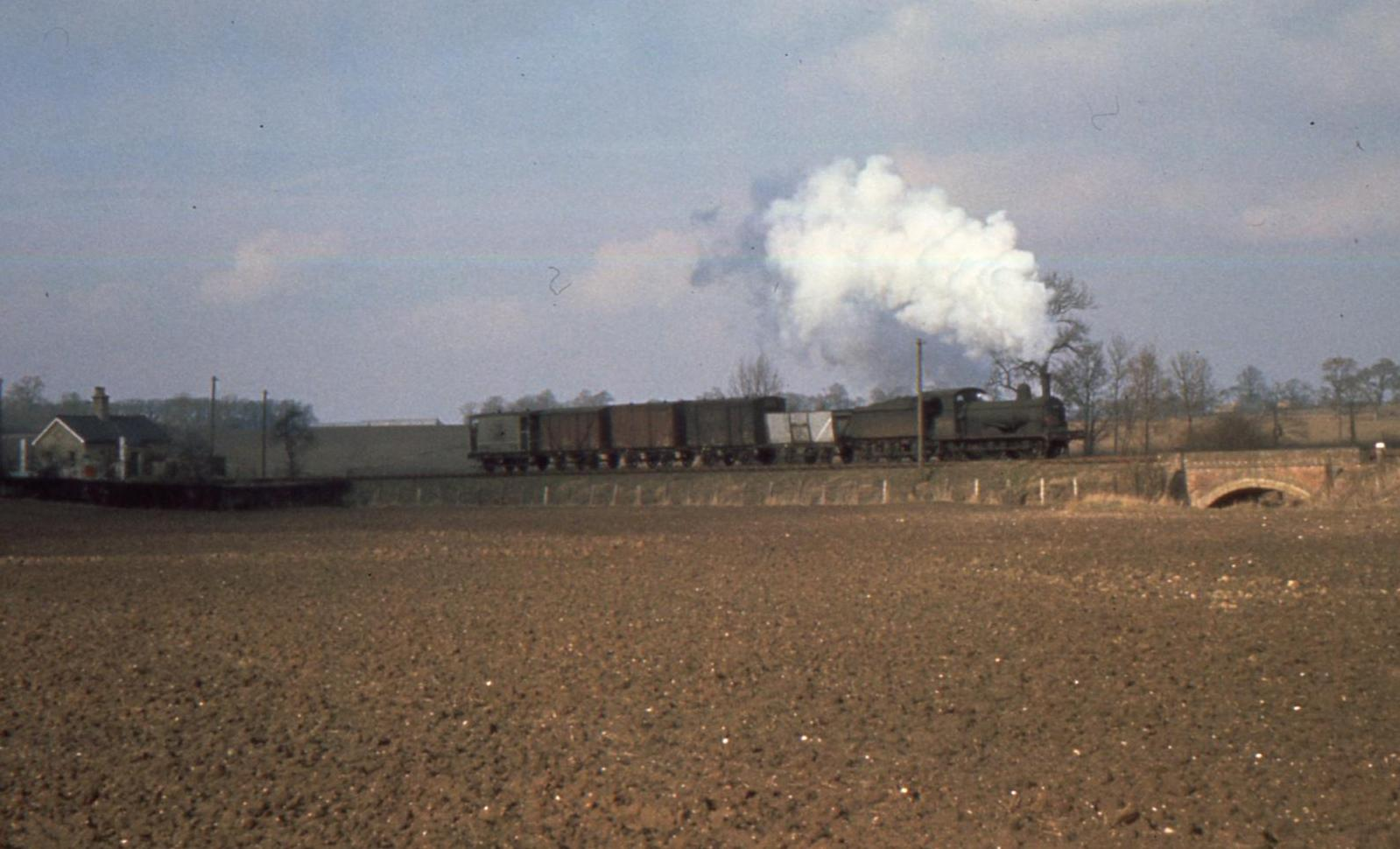Goods train near Broadwater crossing