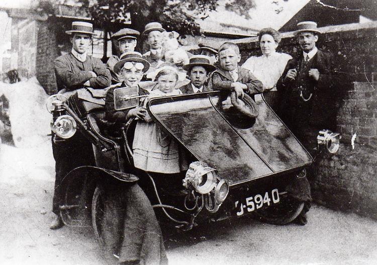 AC Sociable, Brook Lane, c.1908