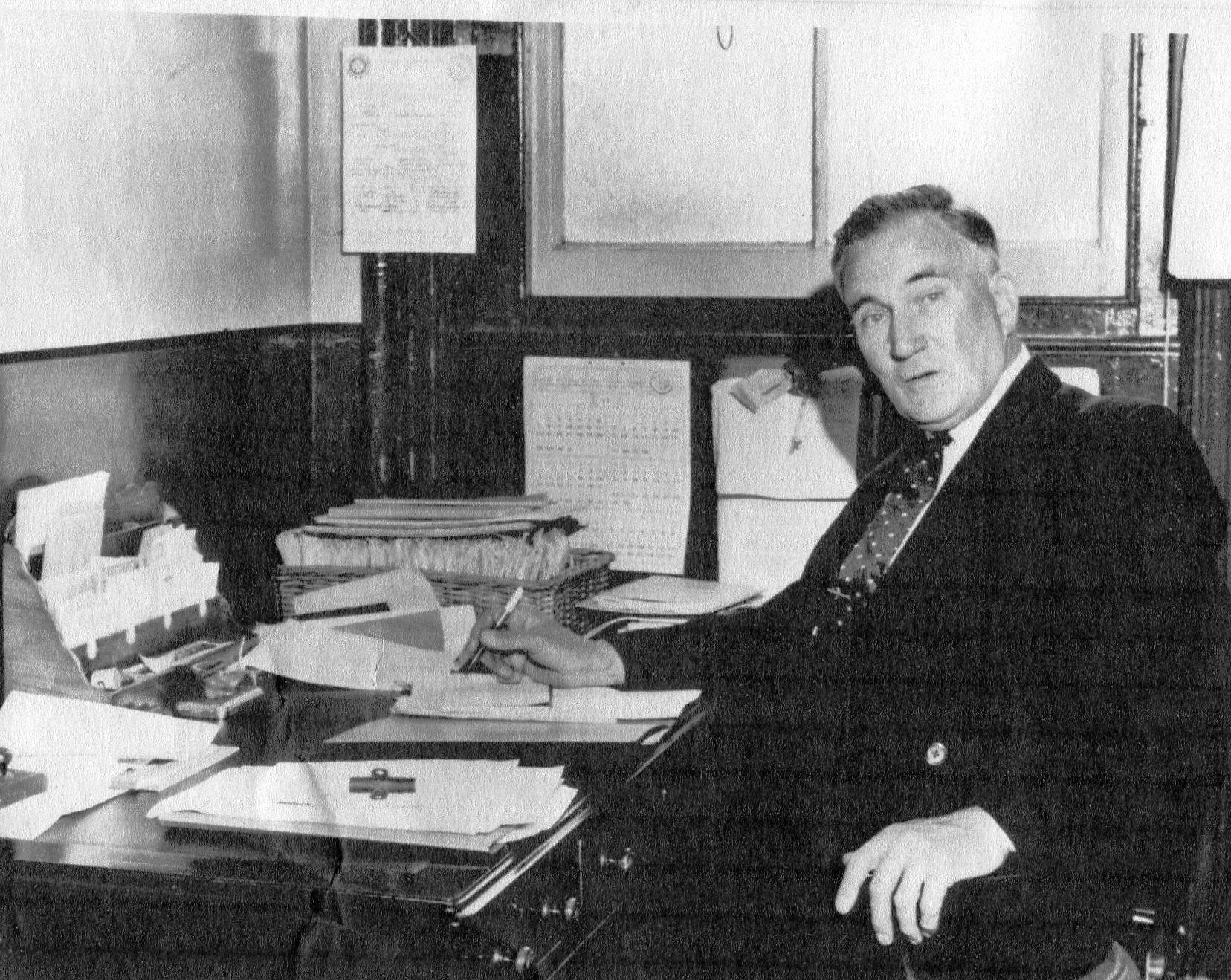 Vic Boulton, station master