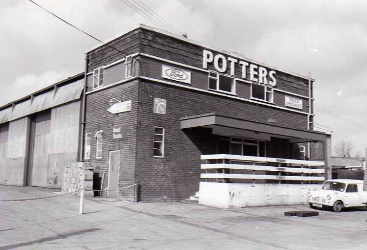 Potter's Garage, New Road