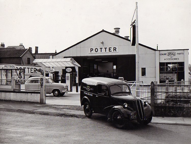 Potter's Forecourt, Bridge Street, c 1952