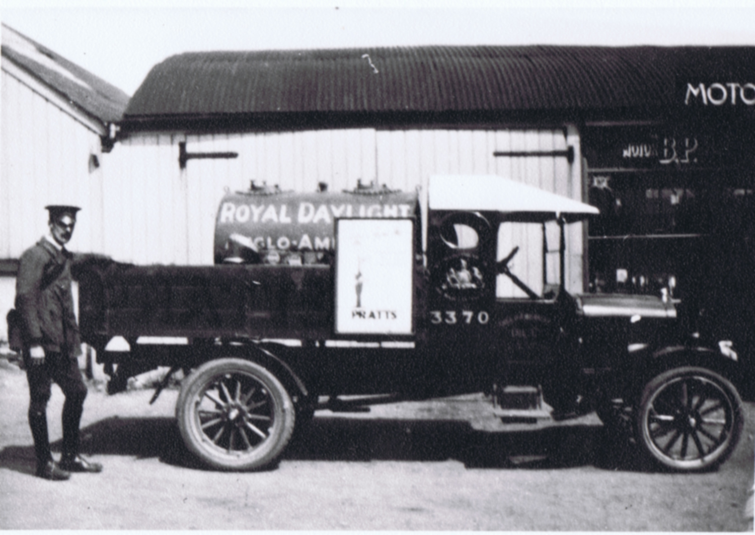 Anglo American Oil lorry, c.1926